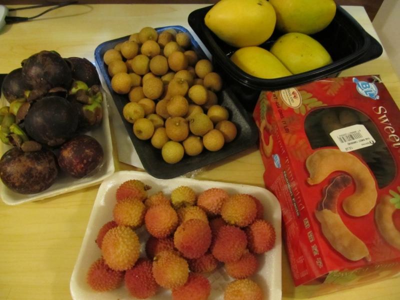 Мангустин, тамаринд, лічі, лонгон, манго
