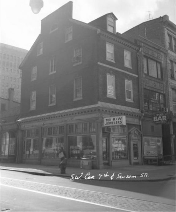 Old photograph of 700 R & W Jewelers on 7th and Sansom Street