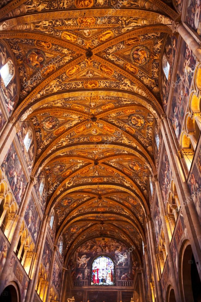 depositphotos_18959393-stock-photo-painted-ceiling-of-parma-cathedral[1].jpg