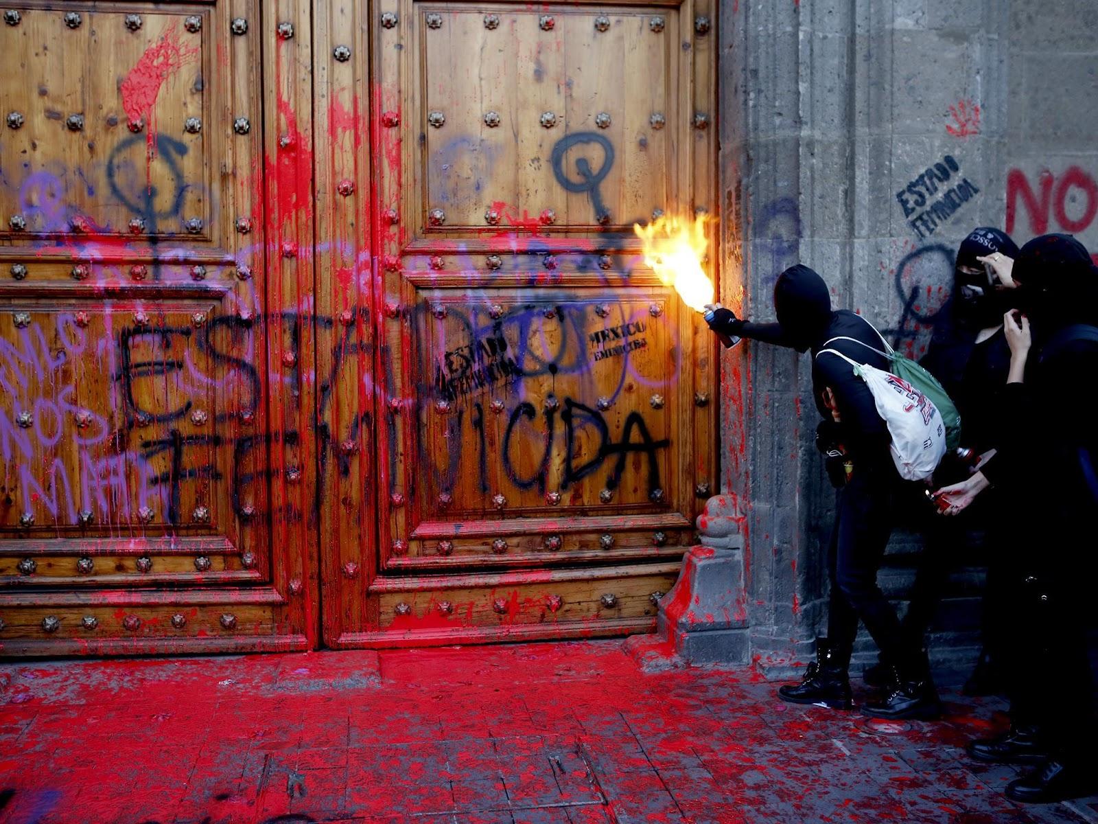 Bildergebnis für mexico women clashes