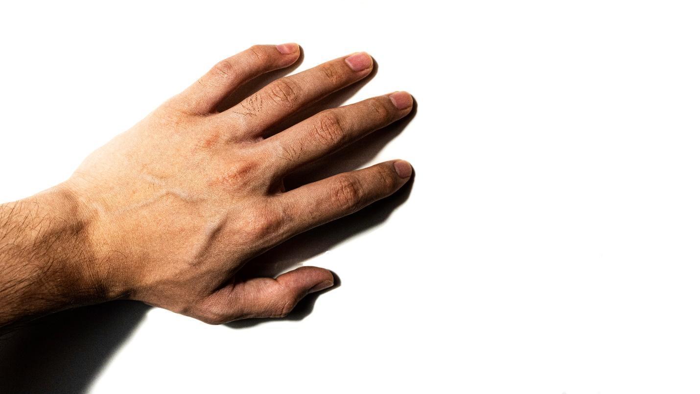 बोट व पंजा ताणण्याचा सराव करा
