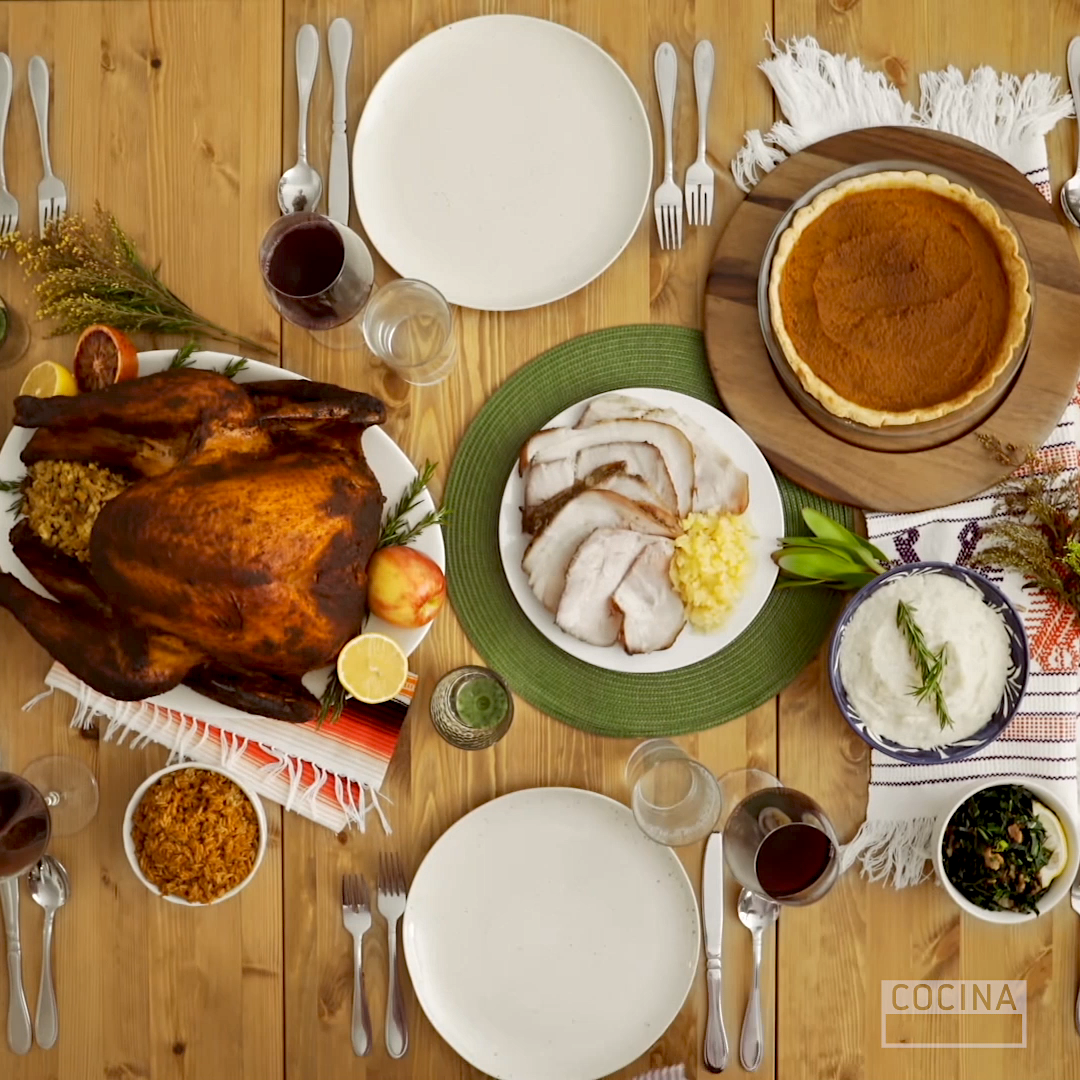 ThanksgivingTable_1x1.png