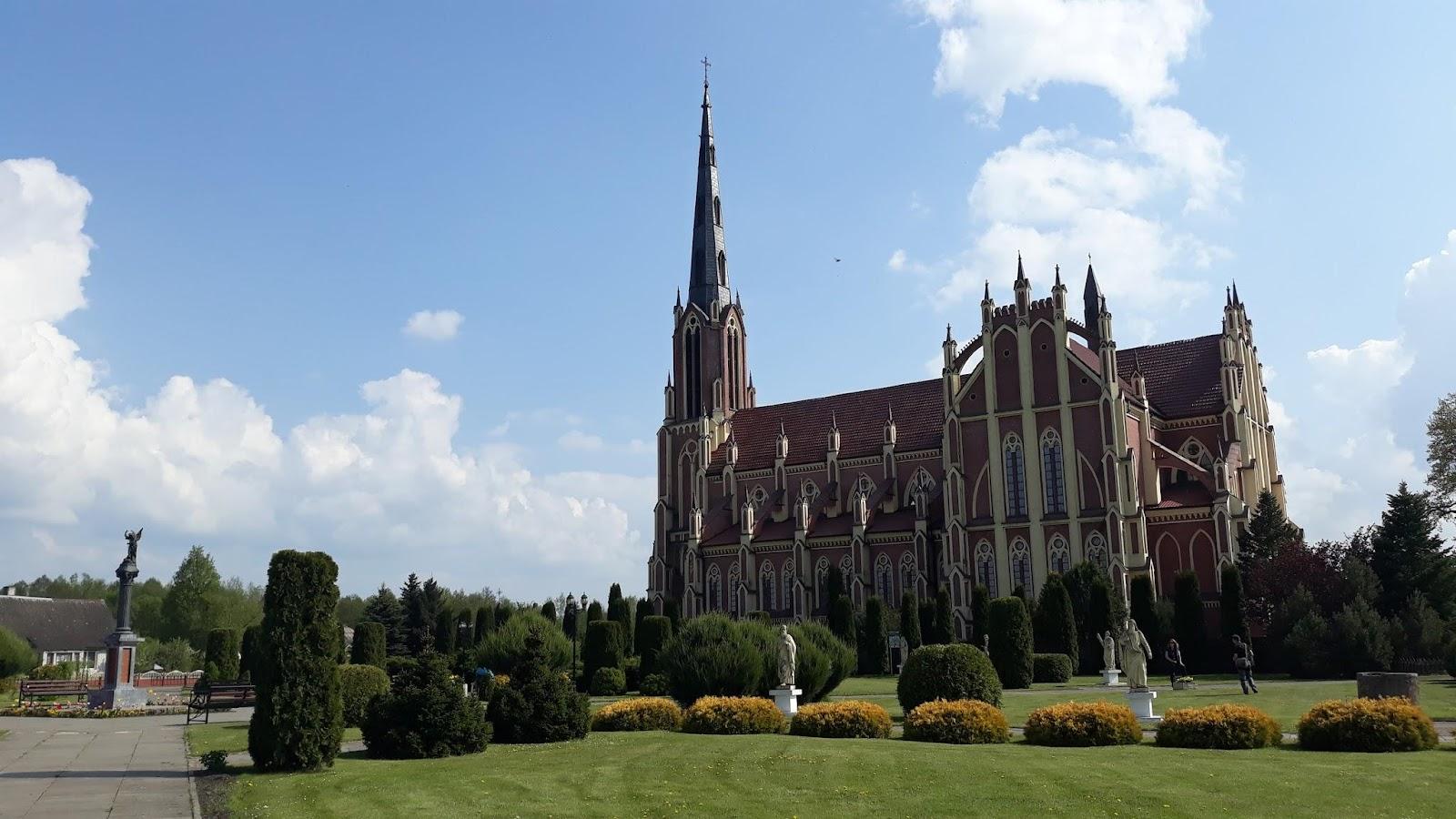 Достопримечательности Беларуси: Троицкий костел в Гревятах
