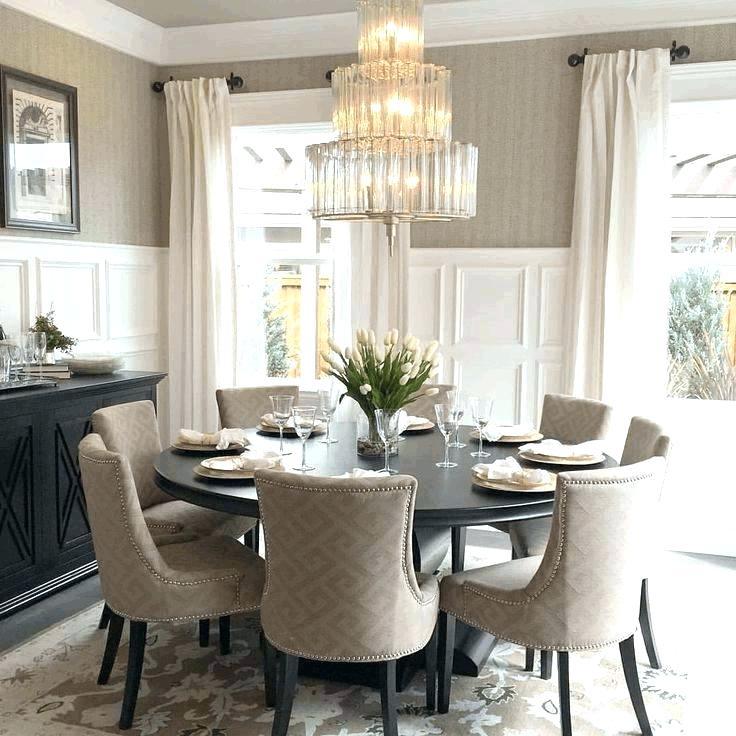 Ruang Makan dengan Furnitur dan Dekorasi Berbahan Kain - sumber: www.cryptoindian.co
