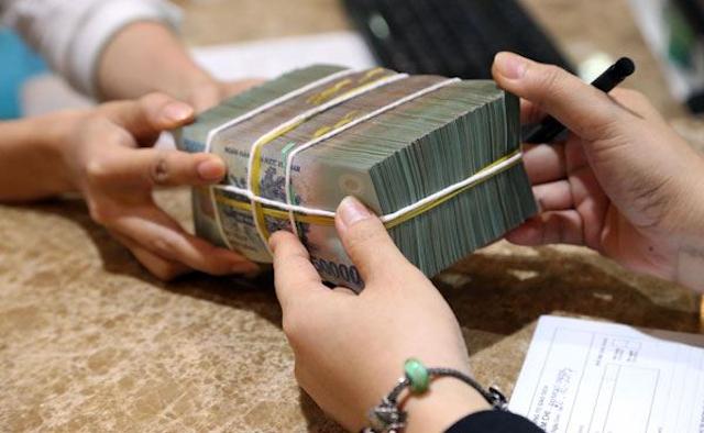 Thủ tiền vay tiền ngân hàng phức tạp