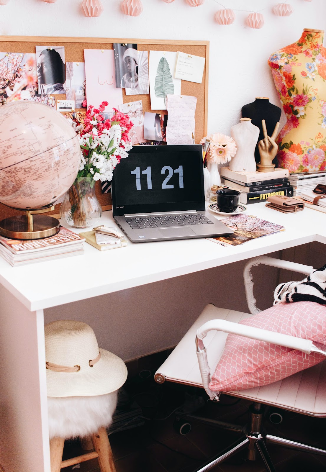 Home office interior in pink