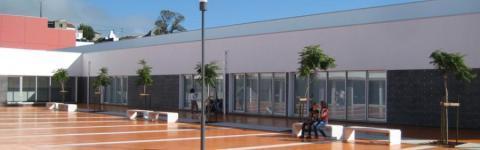 Resultat d'imatges de Escola Basica Integrada Francisco Ferreira Drummond Illa Terceira
