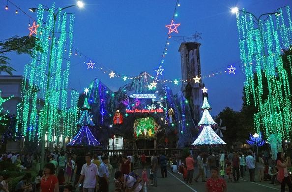 Không khí Noel được lấp đầy tại nhà thờ Hanh Thong Tay