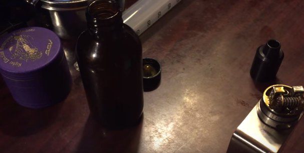 BOTTLING THE EXTRACT OF CANNABIS TRIM