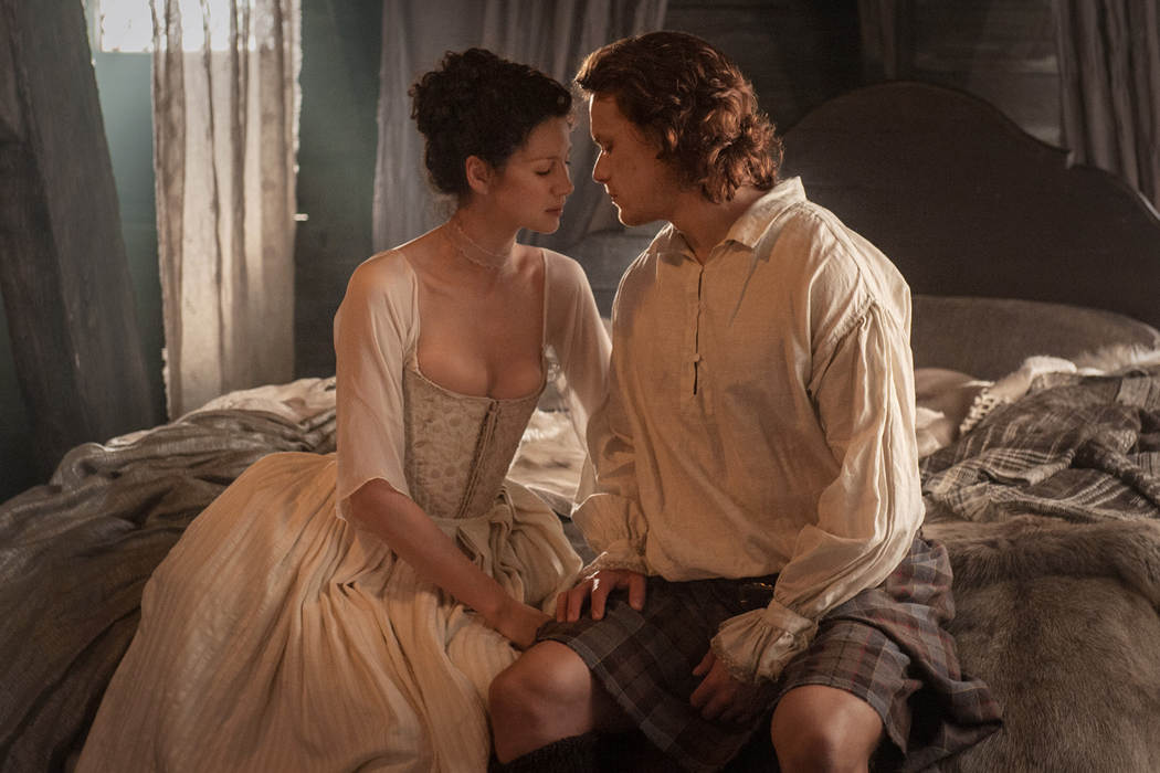 3a10c8b0-4138-11e4-bee2-db74400aacc3_claire-randall-caitriona-balfe-and-jamie-fraser-sam-heughan.jpg