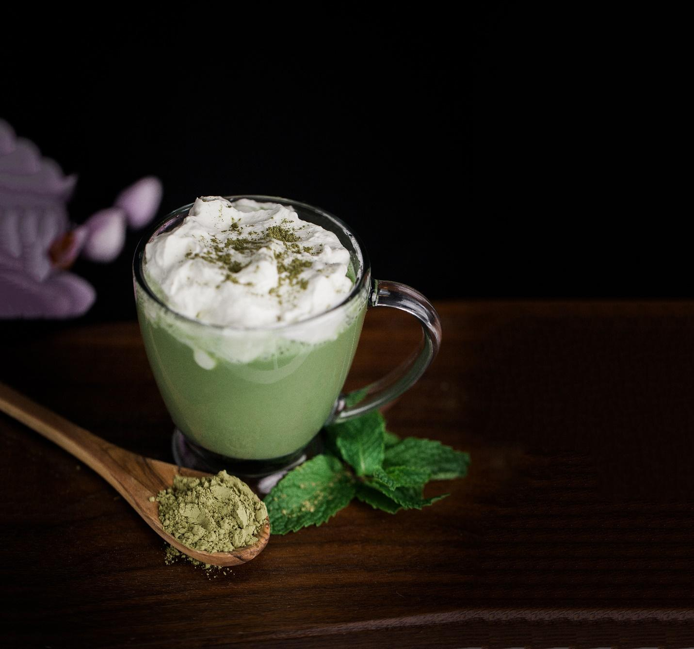 how to drink matcha - macha latte