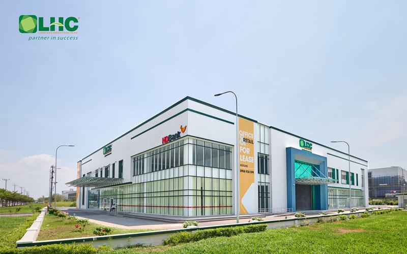 Thuê mặt bằng trung tâm thương mại tại KCN Long Hậu