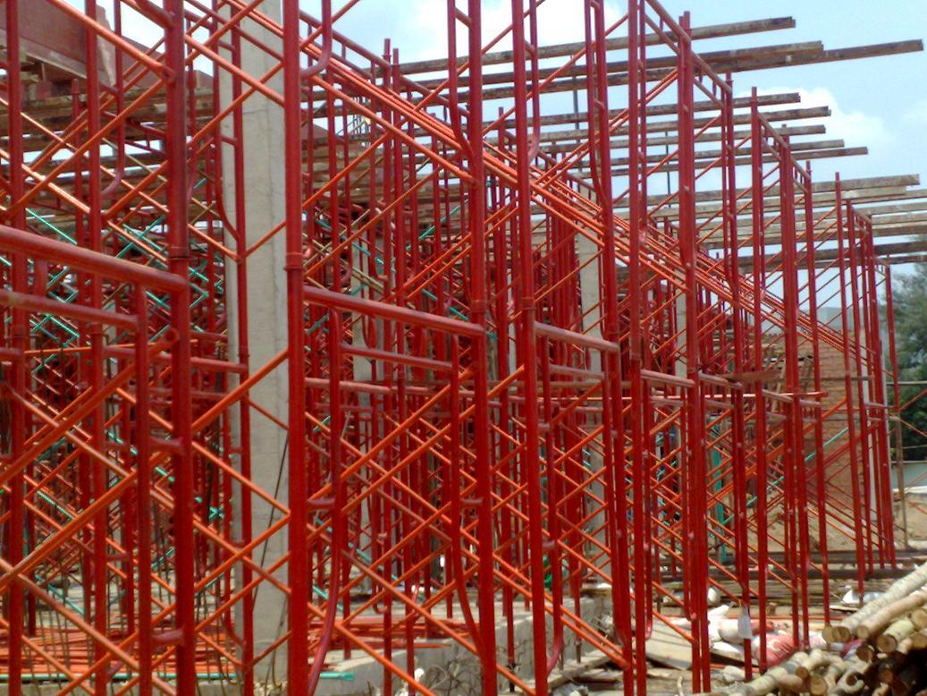 Giàn giáo là một thiết bị không thể thiếu đối với các công trình xây dựng
