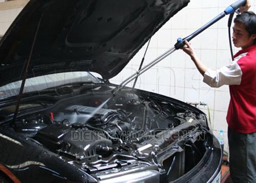 các bước chuẩn bị trước khi rửa máy xe ô tô