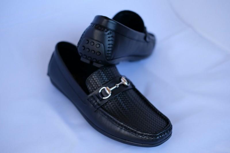 Giày lười mang đến cho các chàng trai phong cách