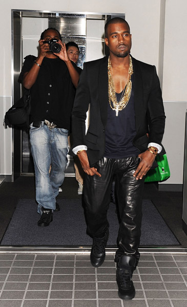 http://cdn.necolebitchie.com/wp-content/uploads/2010/10/Kanye-west.jpg