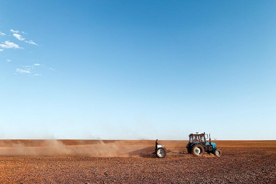 Setor agropecuário pode reduzir rapidamente as emissões com o uso de tecnologias adequadas para o manejo de terras. (Unsplash/Reprodução)