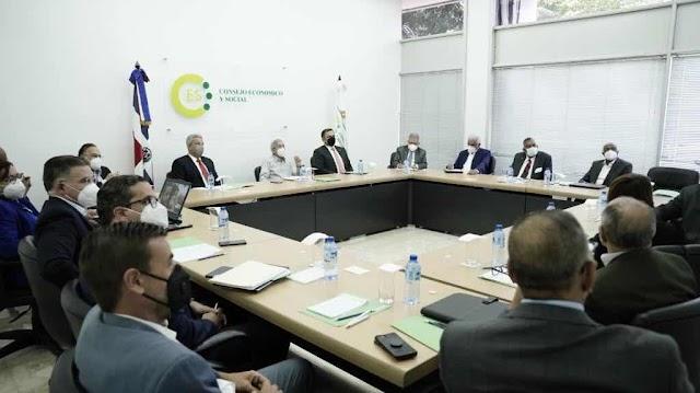 Macarrulla: Gobierno trabajará para tener un pacto eléctrico lo antes posible