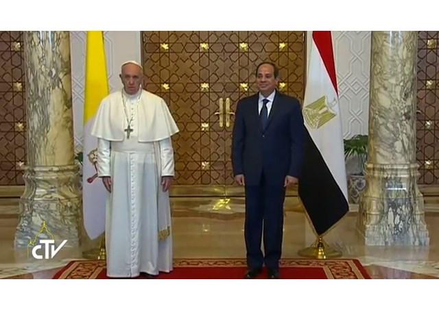 Đức Thánh Cha Phanxico đến Cairo trong chuyến Tông du thứ 18