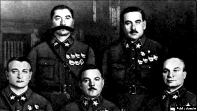 Маршалы Тухачевский, Ворошилов, Егоров, Буденый и Блюхер. 1935 год