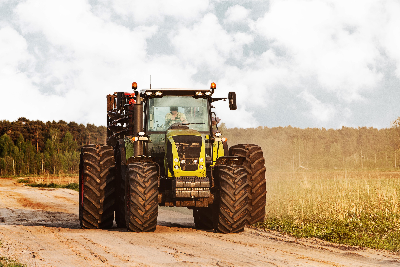 consejos para manejar correctamente un tractor