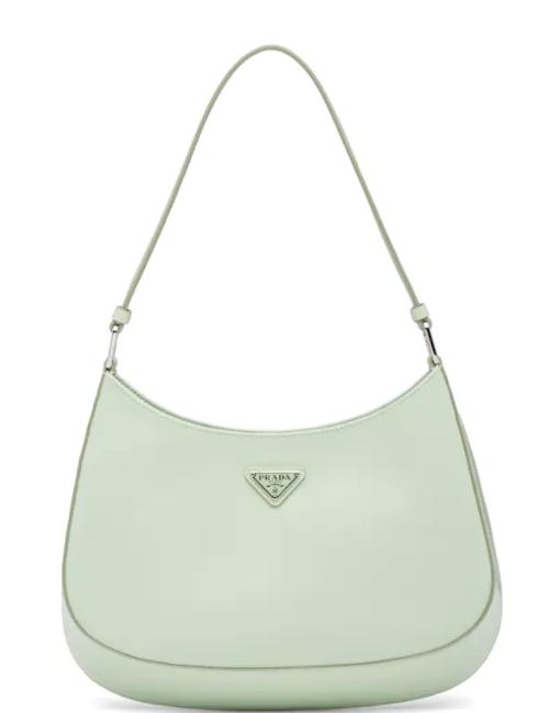 8. กระเป๋าสะพายข้าง: Prada รุ่น Cleo 03