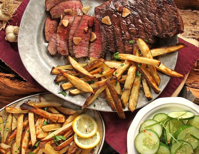 Masak Steak Ala Rumahan dengan Daging Sapi Segar