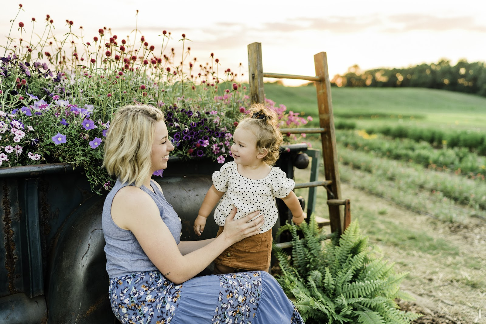 Family Photo Spots at Harvest Tyme Farm Park. Flower photos for the family in Indiana.