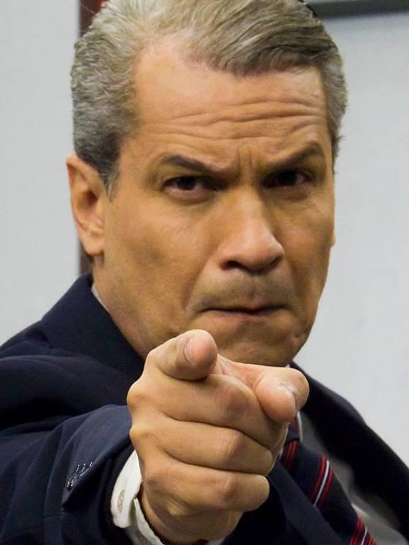 Imagens do apresentador Sikêra Júnior
