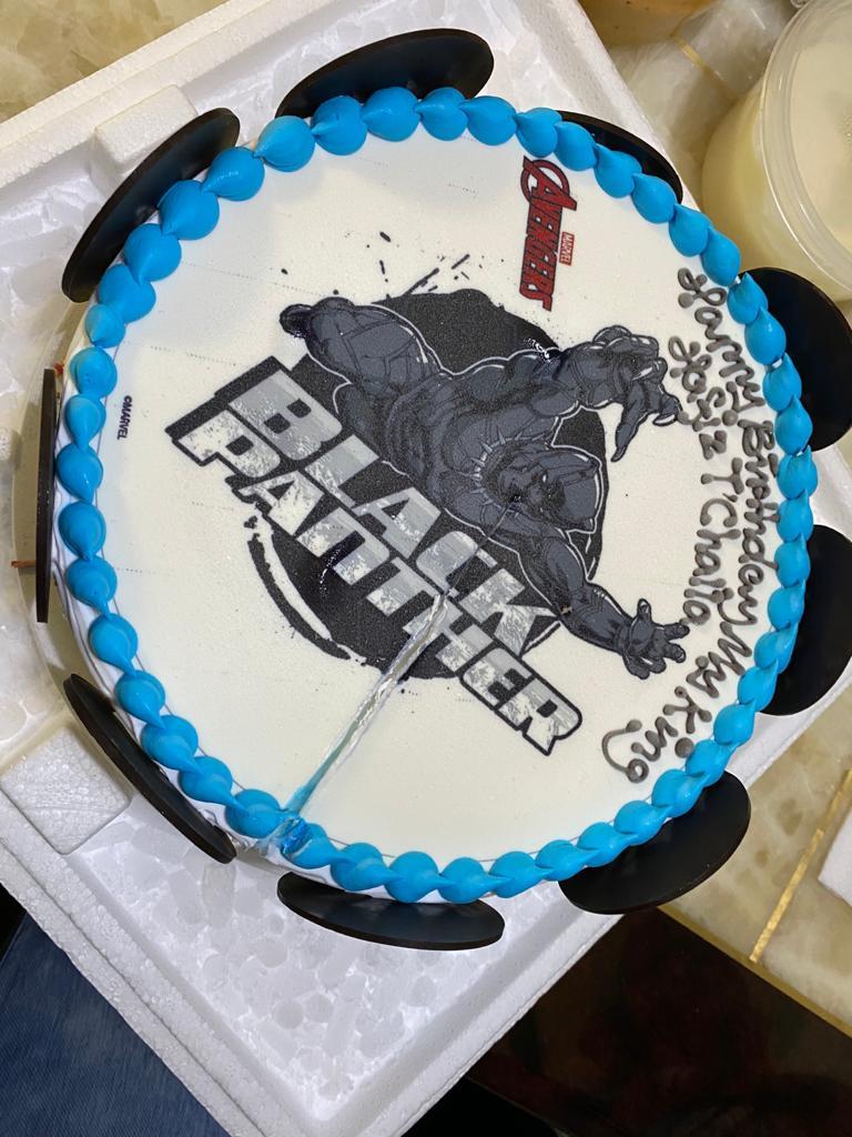 Halal Cake Swensens Black Panther