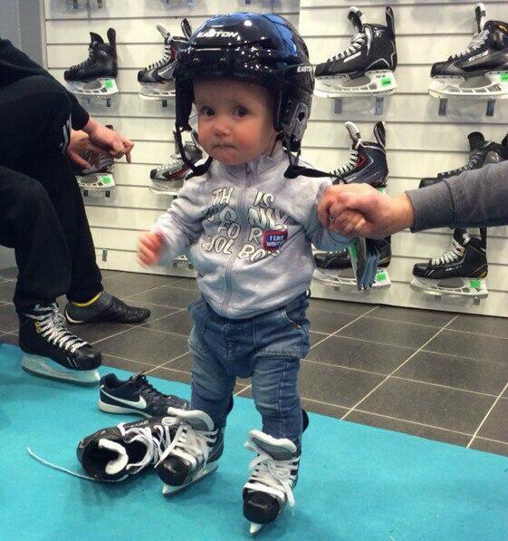 Хоккейные коньки для детей