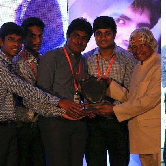 Image may contain: 5 people, including Anandhu Ajith Vyas, Vignesh Ravi and Manoj Kumar Baskaran