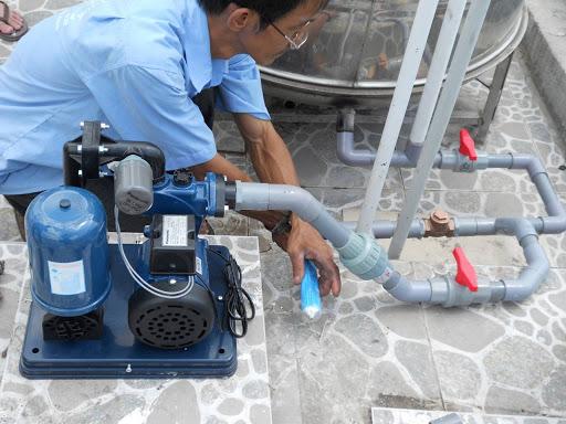 Máy bơm tăng áp sẽ giúp bạn hạn chế tình trạng bật bình nóng lạnh khi không có nước