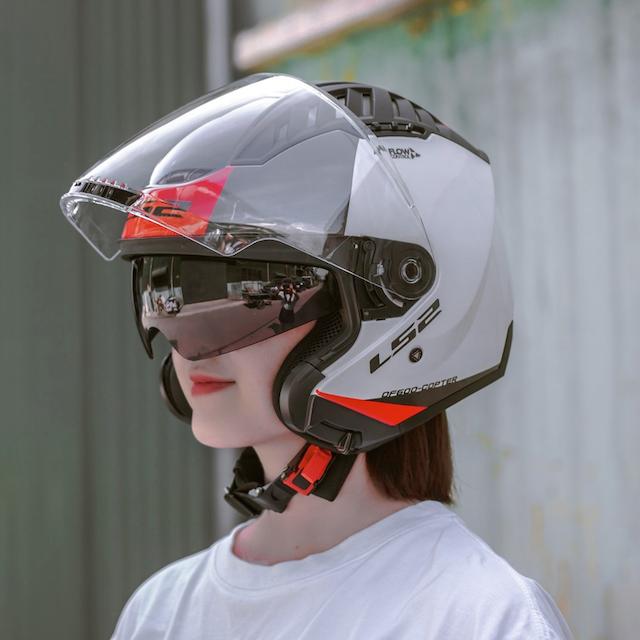 Mũ bảo hiểm 3/4 LS2 OF600 Copter giúp bảo vệ phần đầu của biker hiệu quả