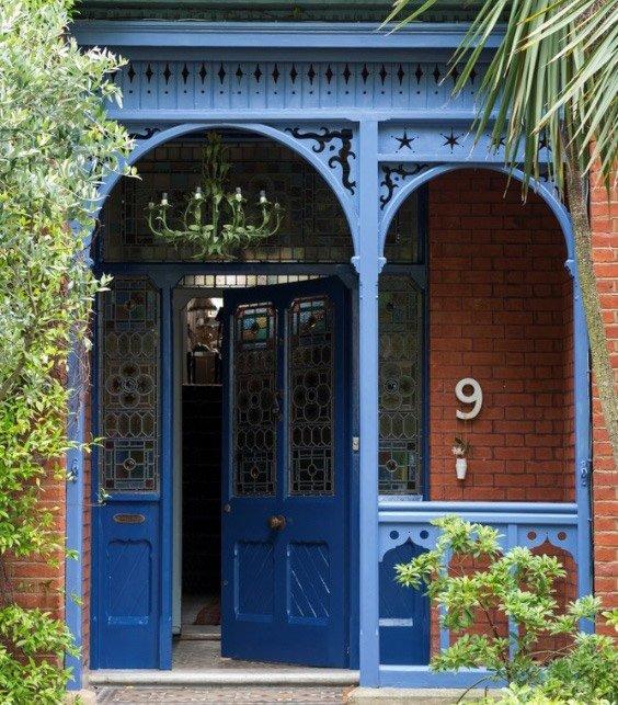 porta da frente azul