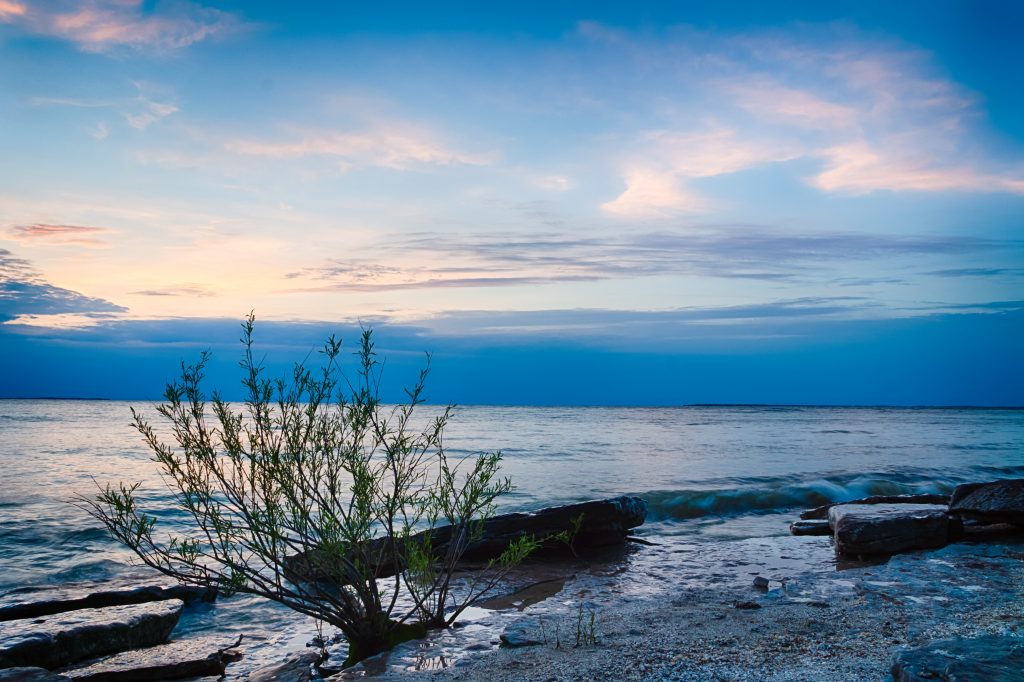 A view of Lake Erie from the shore in Ohio