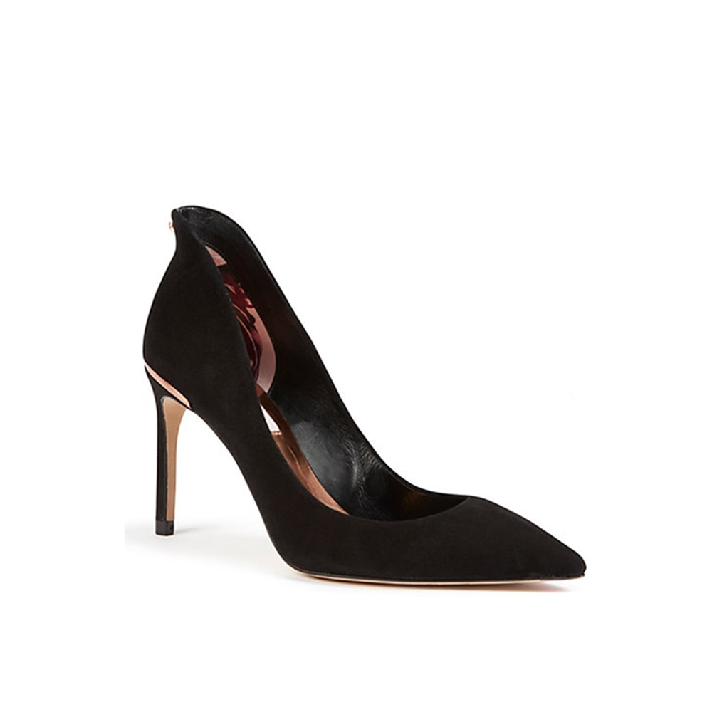 TED BAKER Courts