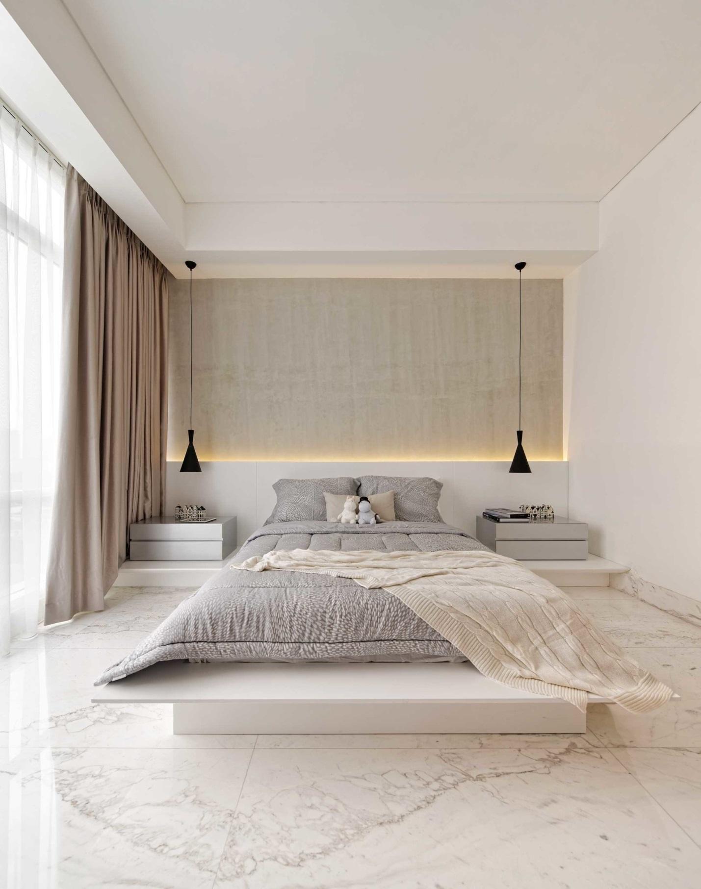 Phòng ngủ được lát gạch men sang trọng