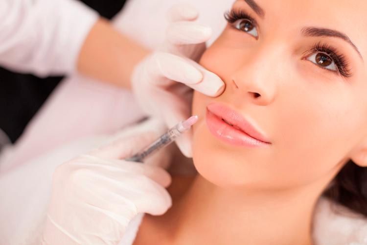 Лучшая помощь для ваших губ – контурная пластика