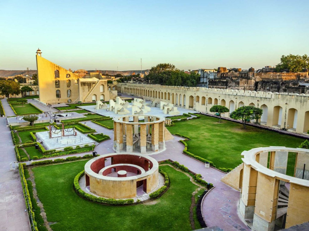 Tòa nhà Victoria Memorial ở thành phố Kolkata được xây dựng để tôn vinh hoàng gia Anh, vì vậy tòa nhà có kiến trúc Tây Âu.