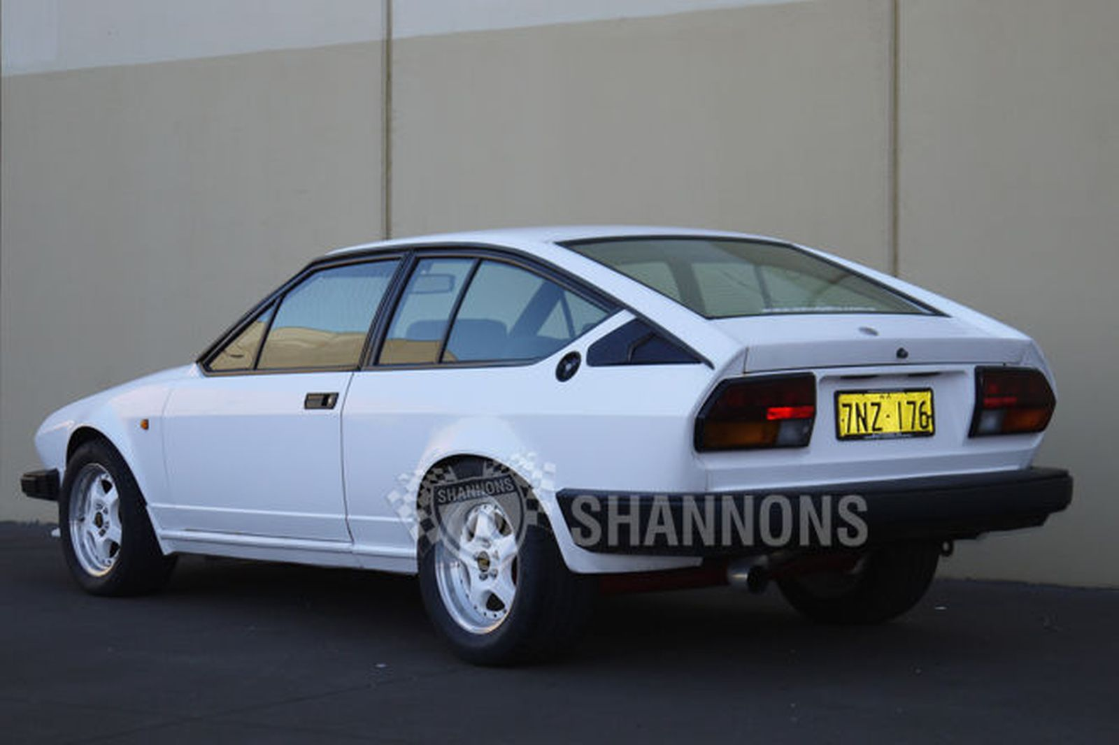 https://www.shannons.com.au/library/images/auctions/T4L2U4Z3J8P2I0V9/1600x1066/1983-alfa-romeo-gtv6-coupe.jpg