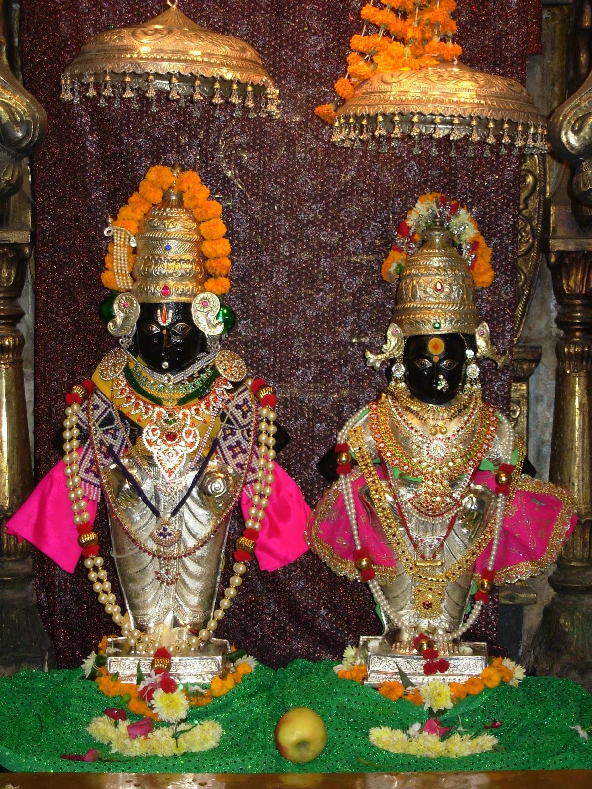 Vitthal_-_Rakhumai.jpg