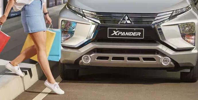 Ở vị trí mà chúng ta thường thấy đèn pha, thì với Xpander 2020 là đèn LED chạy ban ngày, mang lại cho nó một thiết kế hiện đại