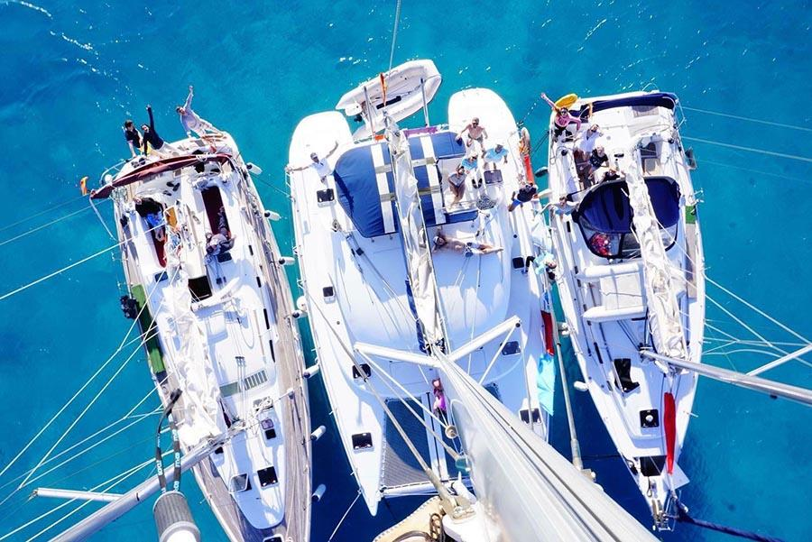 Catamaran and yacht. Size comparison