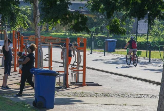 Praças e academias ao ar livre foram mais utilizadas.