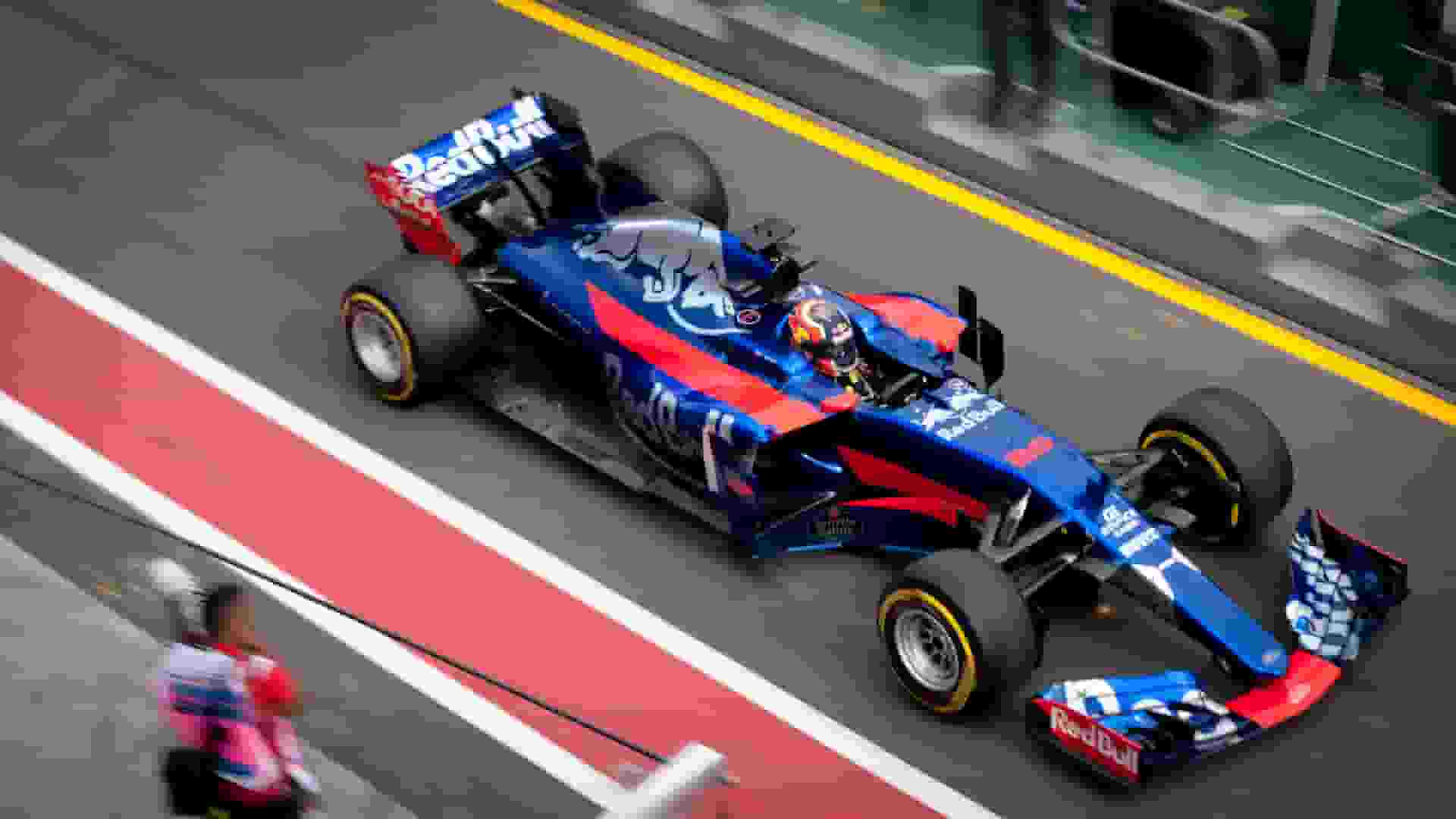 race car photo in JPEG (20.7kB)