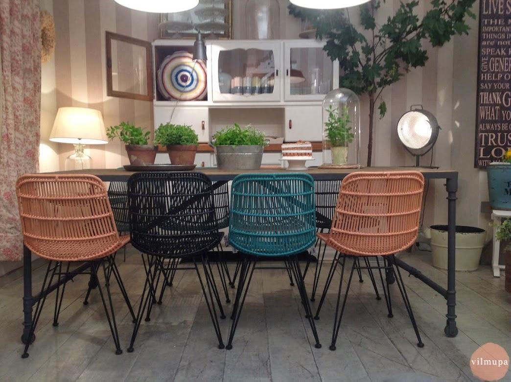 Nueva mesa comedor de madera reciclada for Mesa industrial de madera y metal