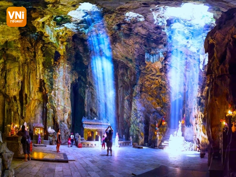 Danang tourist destinations - ngu hanh son (marble mountain)