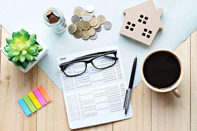 Four Personal Finance Lessons From Two Women | Femina.in
