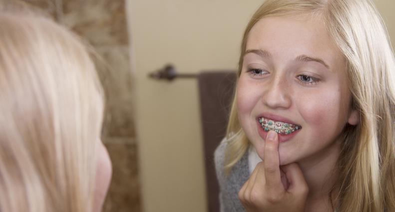 how to treat swollen gums